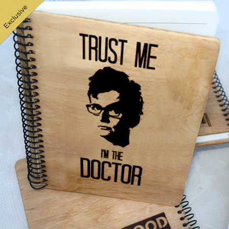 Деревянный блокнот Trust me, I`m Doctor Верь мне, я Доктор. Что подарить на Новый Год, День Рождения, праздник