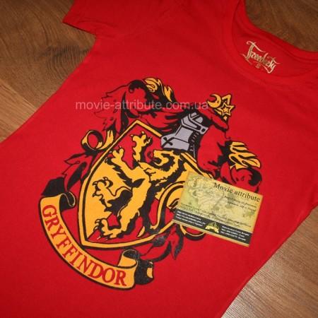 Фото герба Гриффиндора на футболке