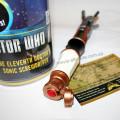 Красная кнопка на рукоятке отвертки Доктора Кто