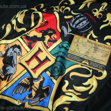 Масштабное фото кофты с гербом