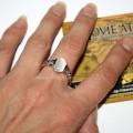 Кольцо Бэллы на руке