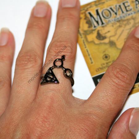 Кольцо Дары Смерти - очки Гарри Поттера на руке