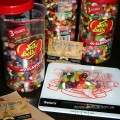 Взвешивание конфет Джелли Белли Jelly Belly на кухонных весах