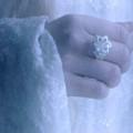 Кольцо Нэнья на руке Галадриэль